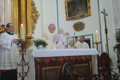 el-obispo-adolfo-gonzc3a1lez-montes-oficic3b3-la-misa-del-mediodc3ada